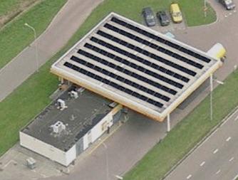 zonnepanelen op tankstation