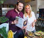 Floortje Dessing schrijft kookboek 'Eerlijk eten'