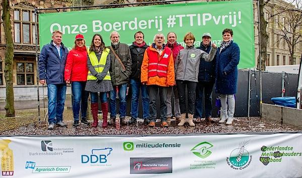 Europese boeren, milieu- en dierenbeschermers samen tegen TTIP en CETA