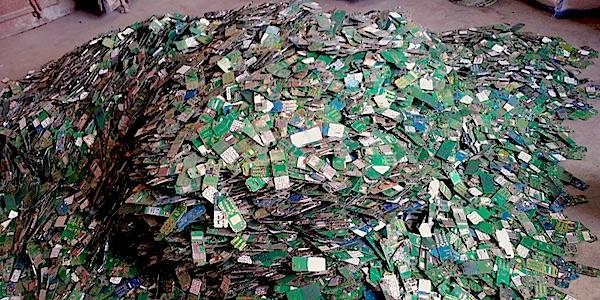 Afgedankte smartphones zijn een ramp voor het milieu
