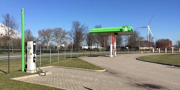 tankstation orange gas