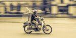 Verbod voor brommers en scooters op benzine