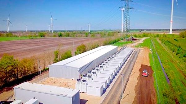 Grootschalige opslag van stroom wordt snel goedkoper